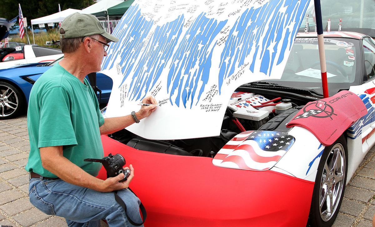Photos Vettes On The River Car Show News Qctimes Com