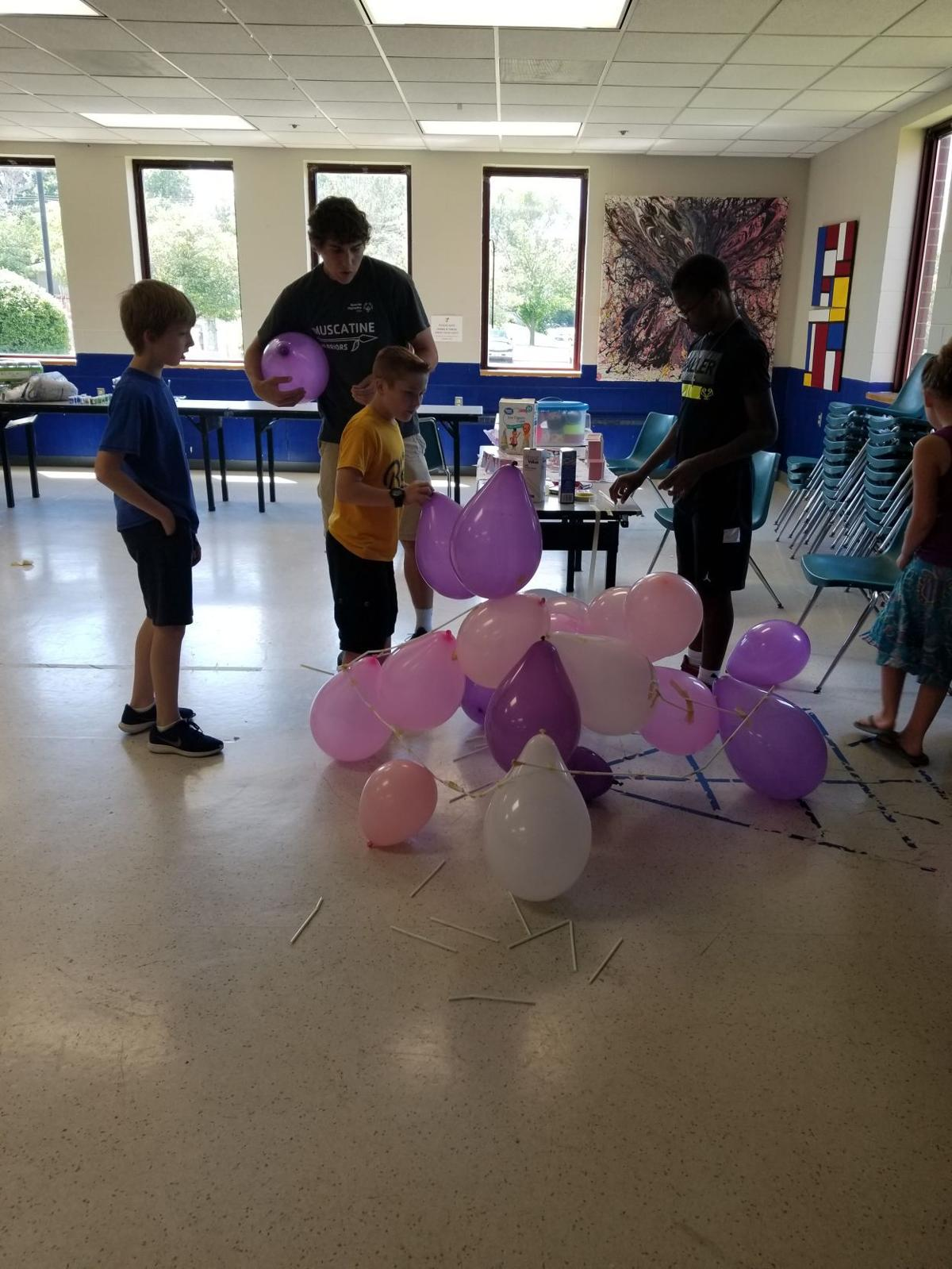 Boys Group Balloon Structure