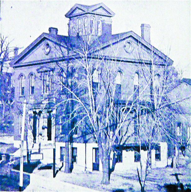 611 Brady St., Davenport