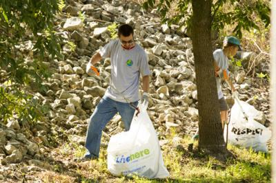 080914-xstream-cleanup-07