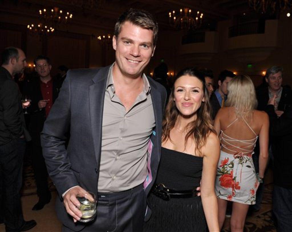 Jeff branson elizabeth hendrickson dating