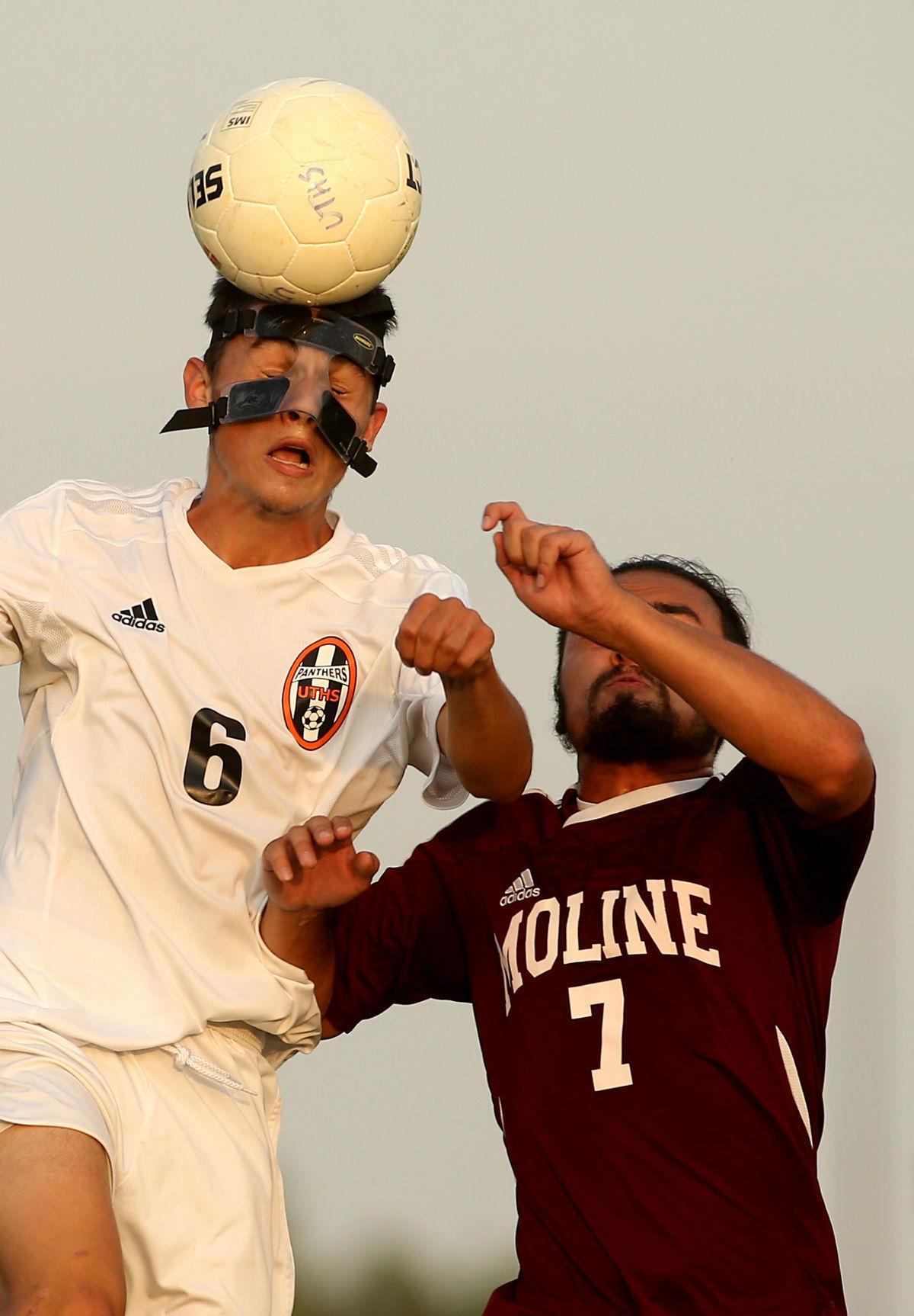 091217-UT-Moline-Boys Soccer-001