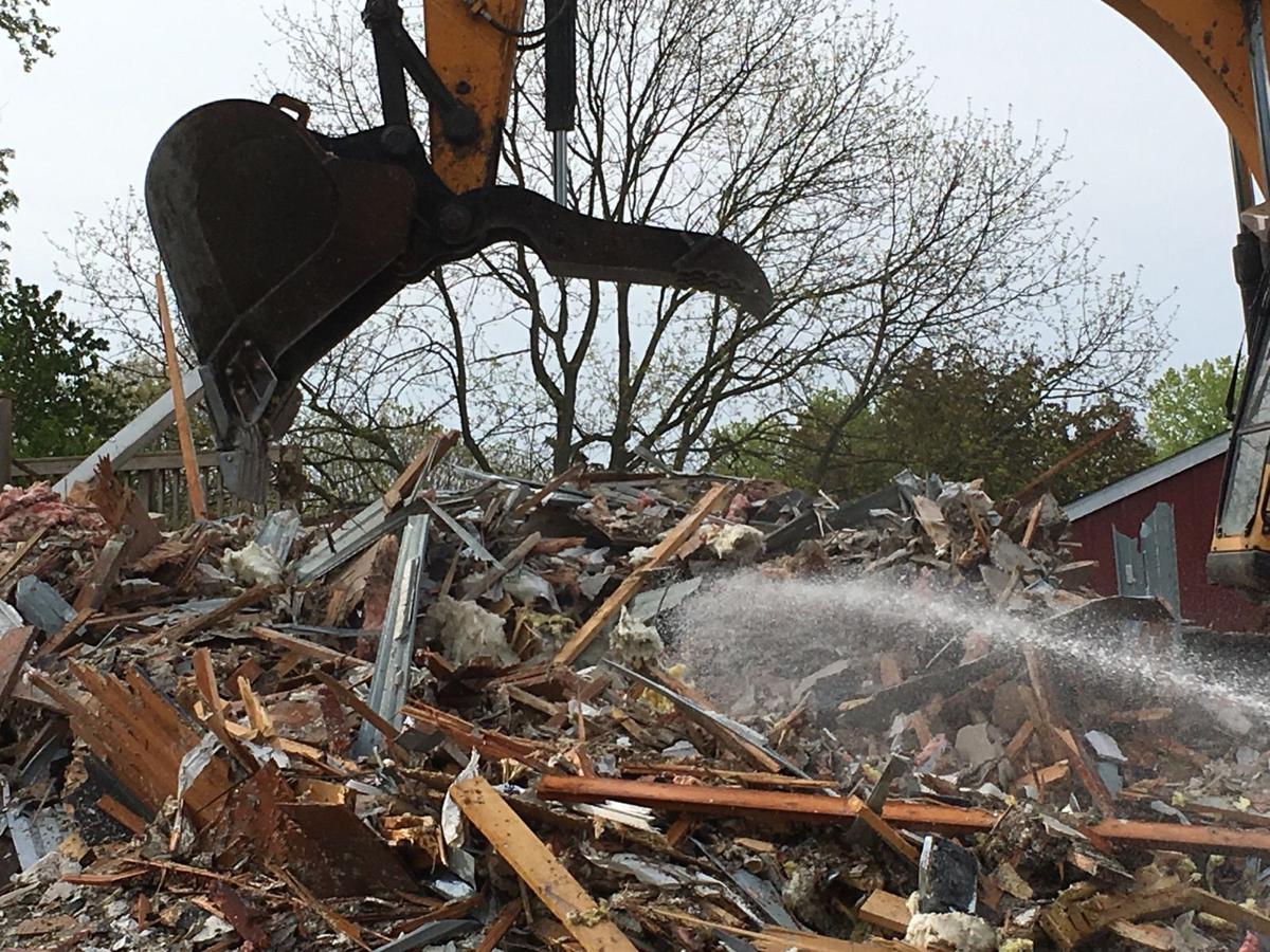Bettendorf house demolition
