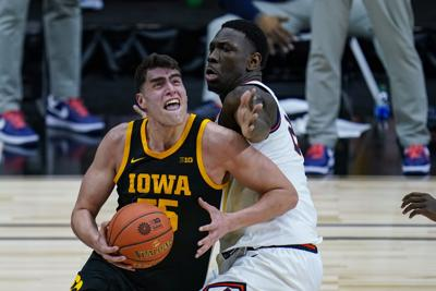 B10 Iowa Illinois Basketball