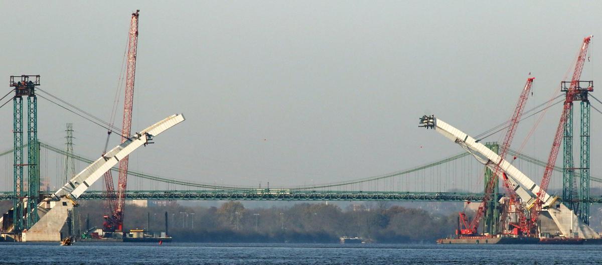 111519-New-I74-Bridge-001