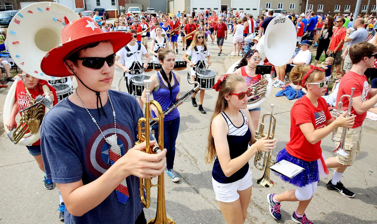 070417-Bettendorf-Parade-006