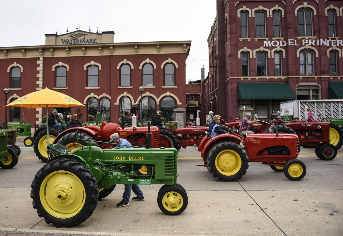 090818-tractorparade-13a.jpg