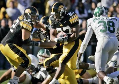 Pugh leaves Iowa football team