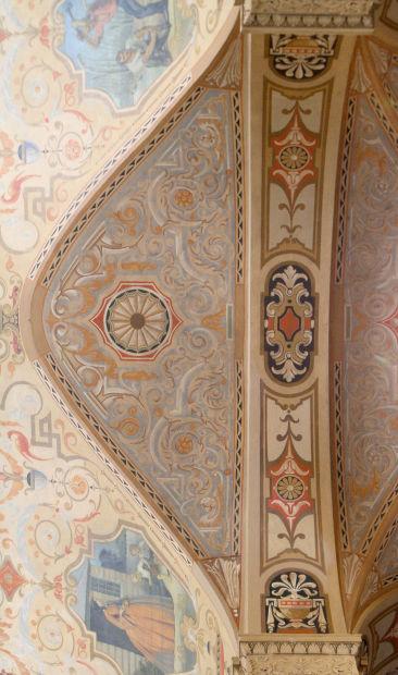 012614-bank-murals02