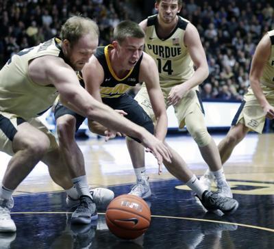 First Half Defensive Lapses Doom Hawkeyes At Purdue Iowa Hawkeyes