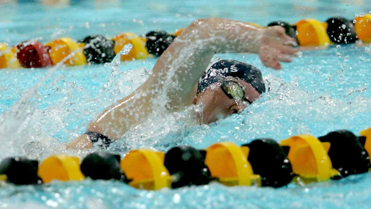 100218-Bett-PV-Swimming-009