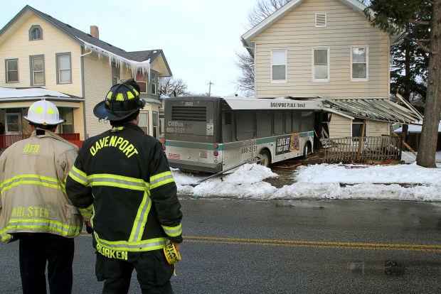 Davenport bus strikes house
