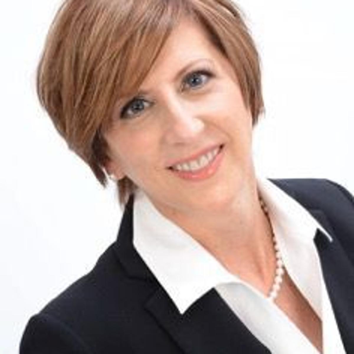 Each One Teach One: Kathleen Logan   Economy   qctimes com