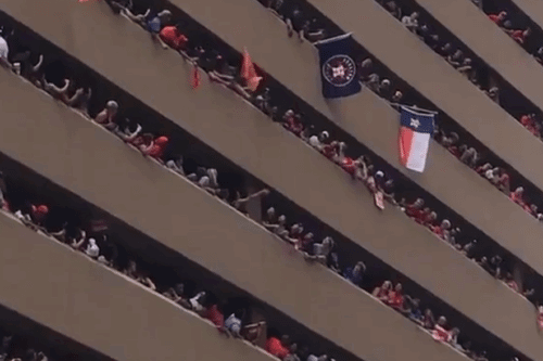 Watching People Return This Dropped Hat At The Houston Astros' Parade Will Instantly Make You Happy