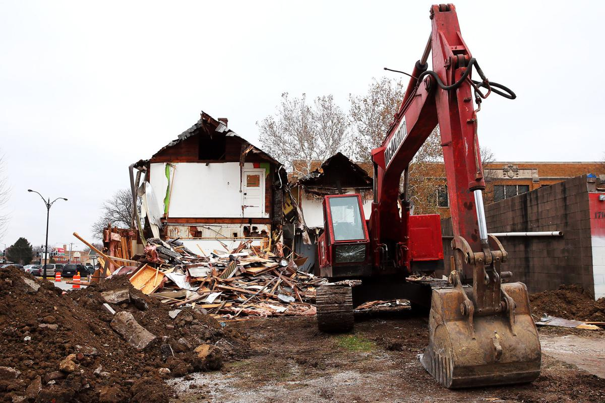 Demo starts on builidings