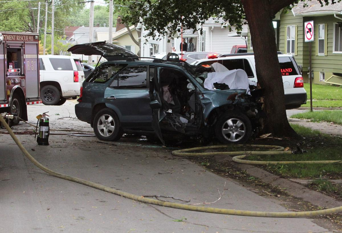 Two dead after SUV crash in Rock Island | Local News | qctimes com