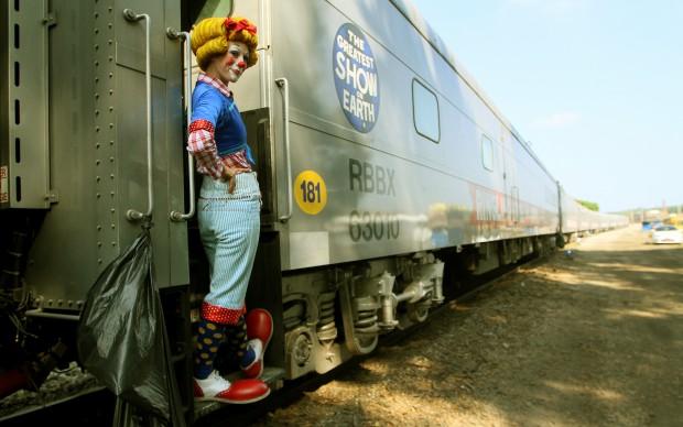 082913-circus1
