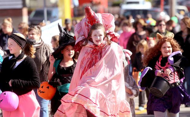 102713-bet-halloween-parade8