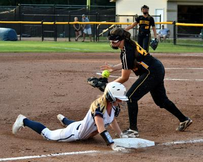 Bettendorf vs Pleasant Valley Class 5A Regional softball.