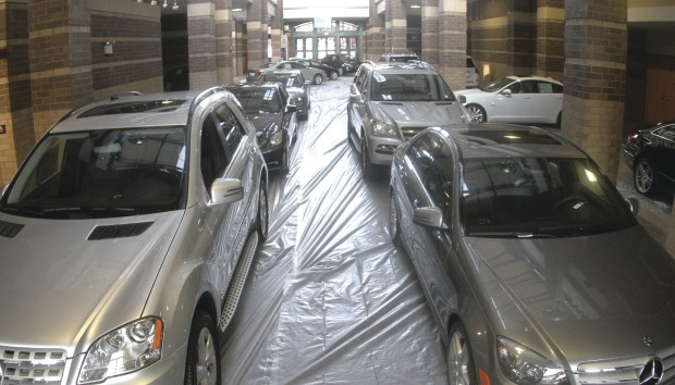 Iowa illinois auto show plans big draws economy for Mercedes benz davenport iowa
