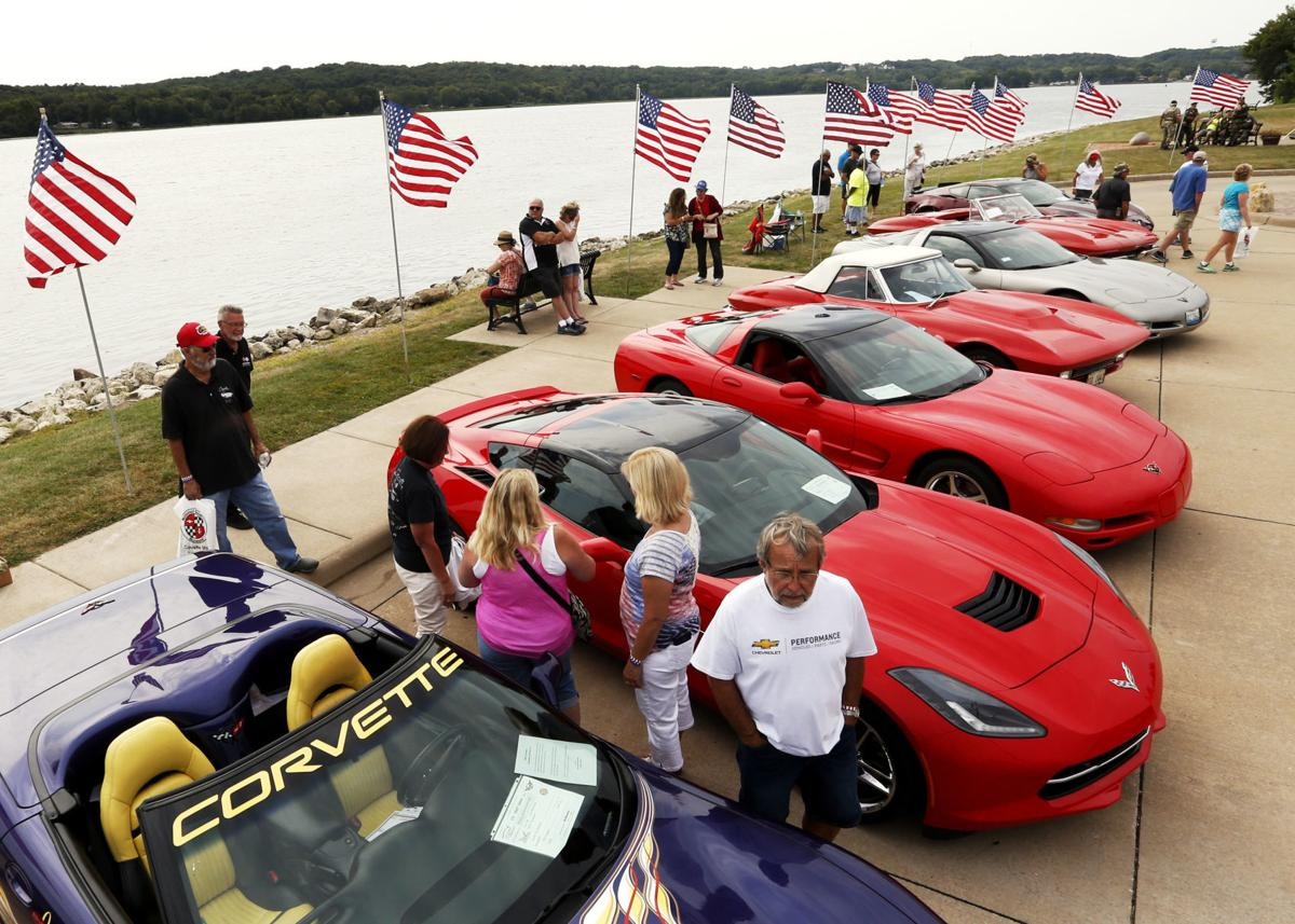 082617-vettes-on-the-river-013