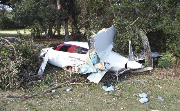 Davenport man crashes plane, avoids serious injury | Local News