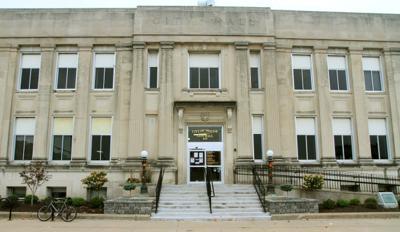 101913-moline-city-hall02