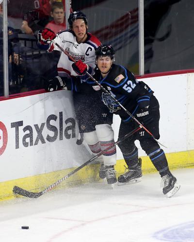 112418-storm-hockey-018