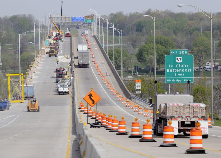 Lane closures expected to start Monday on Interstate 80 bridge over the Mississippi River