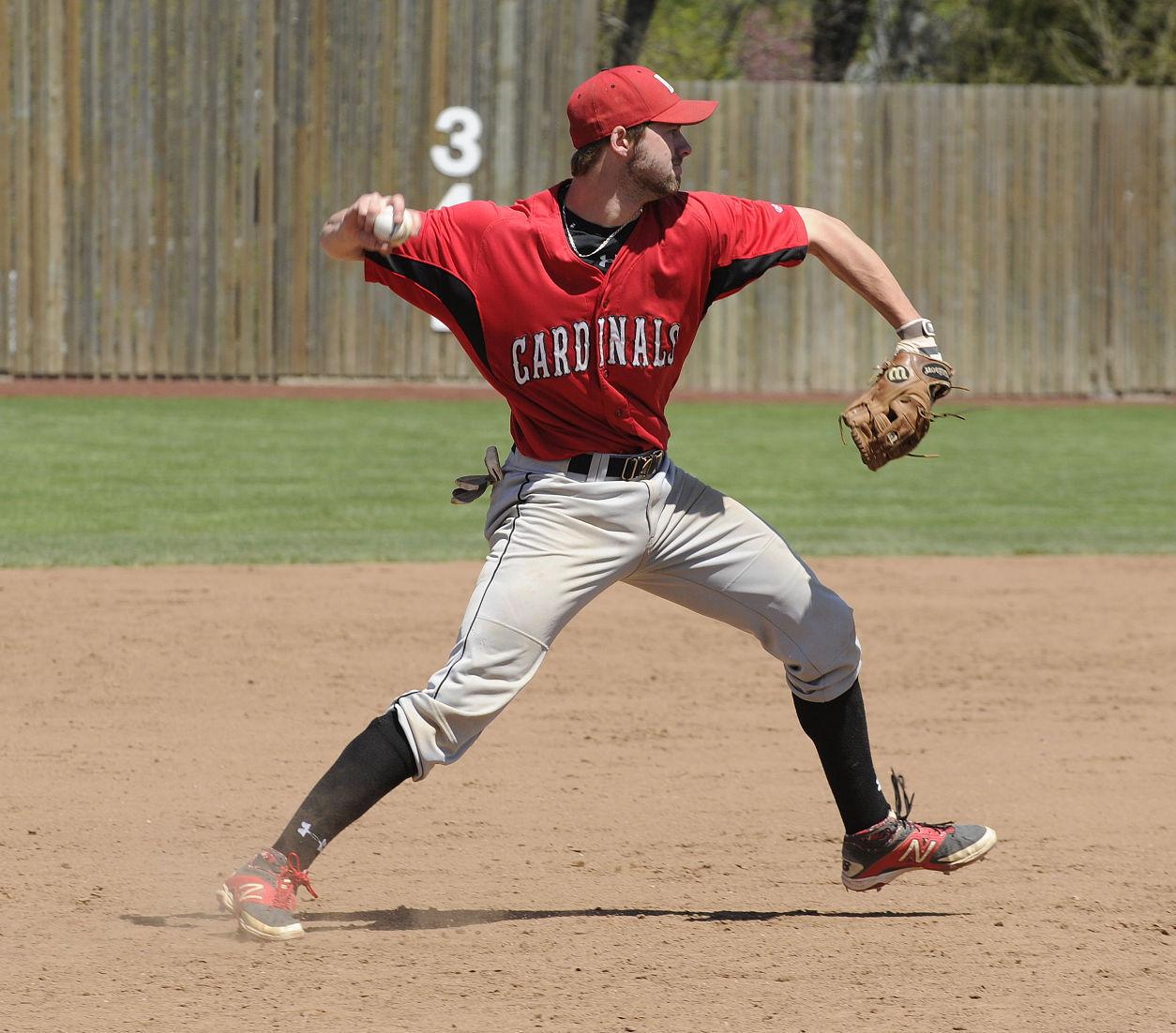 Muscatine cardinals baseball