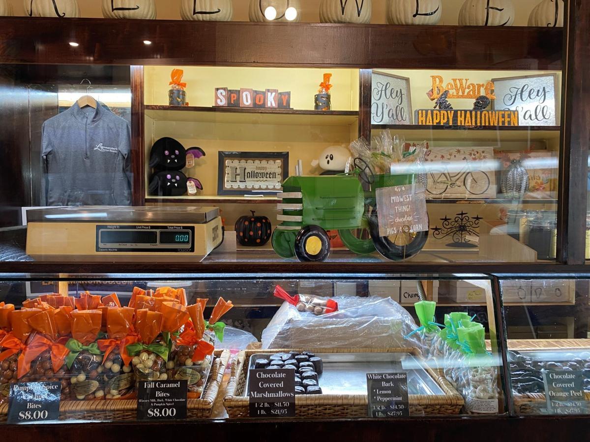 Lagomarcino's postpones restaurant services