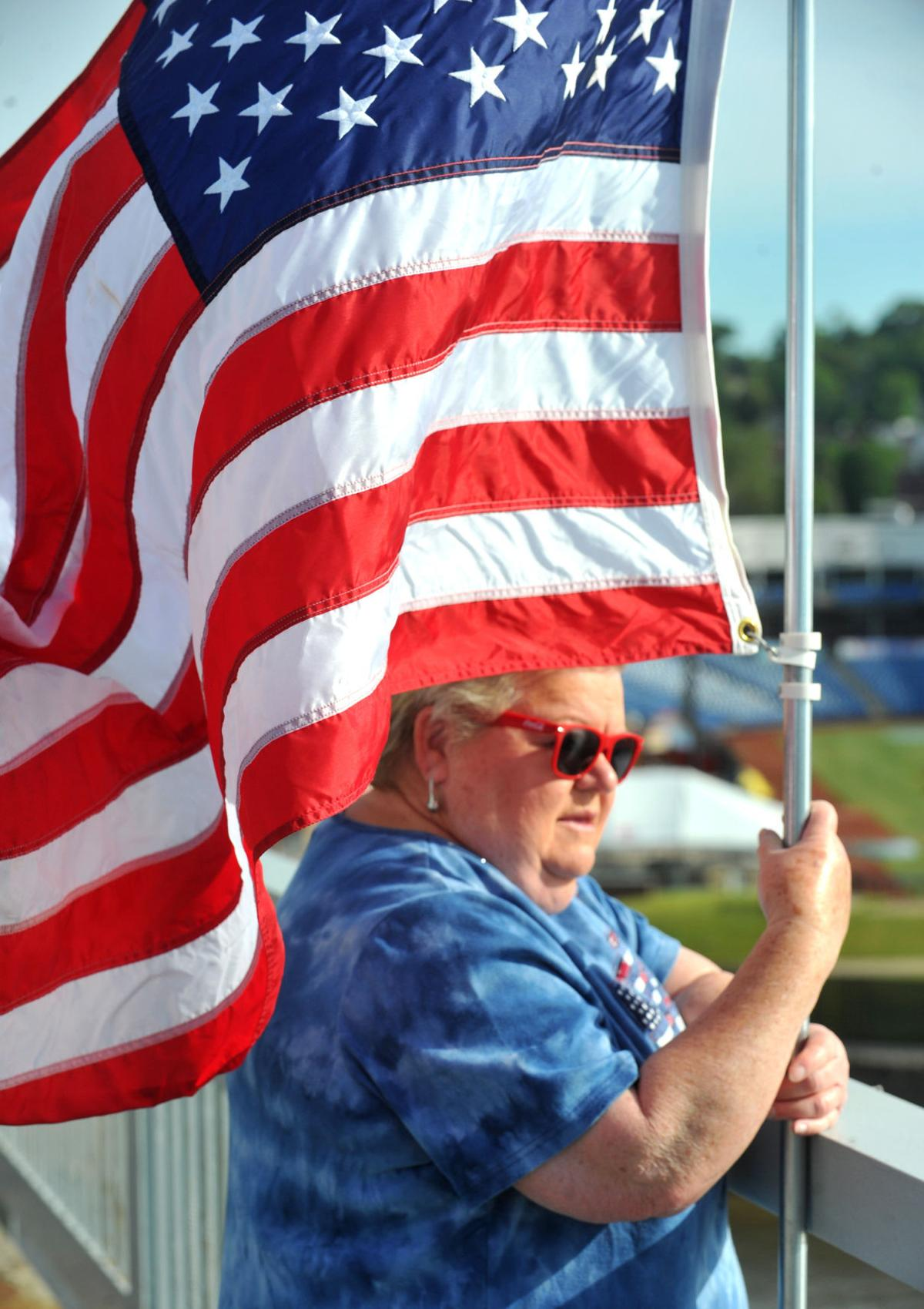 061521-qc-nws-flags-227