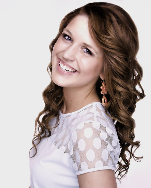 Miss Iowa's Outstanding Teen Anna Masengarb
