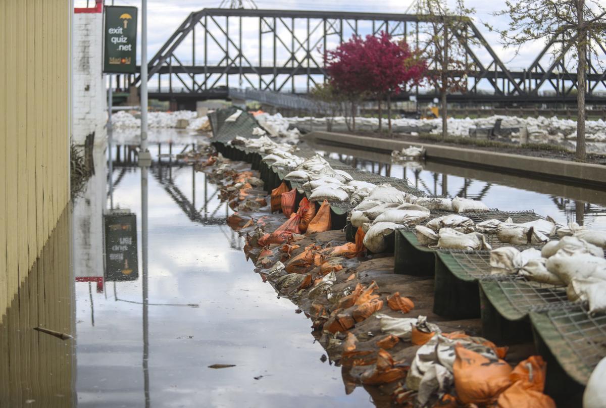 051019-qct-qca-flood-cleanup-004