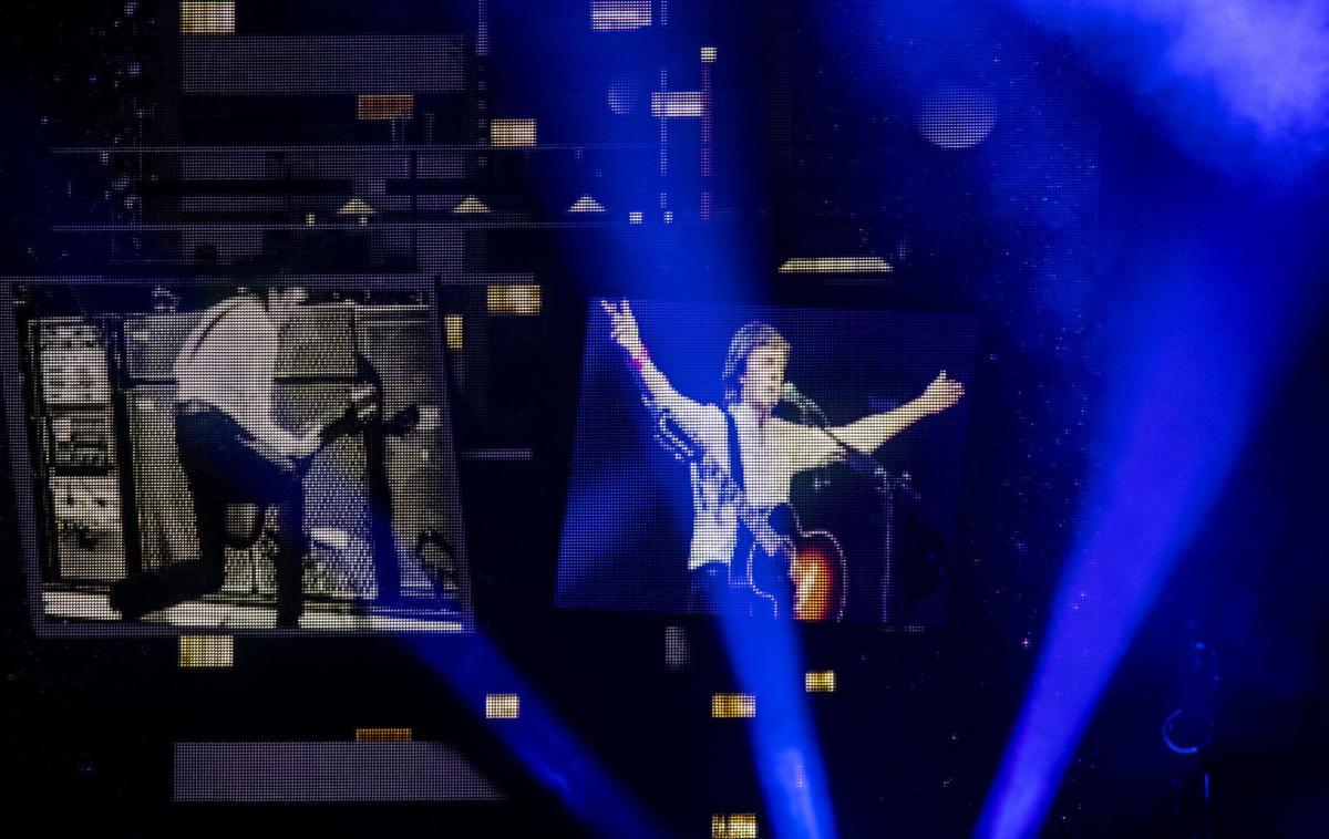 061219-McCartney-Concert-020