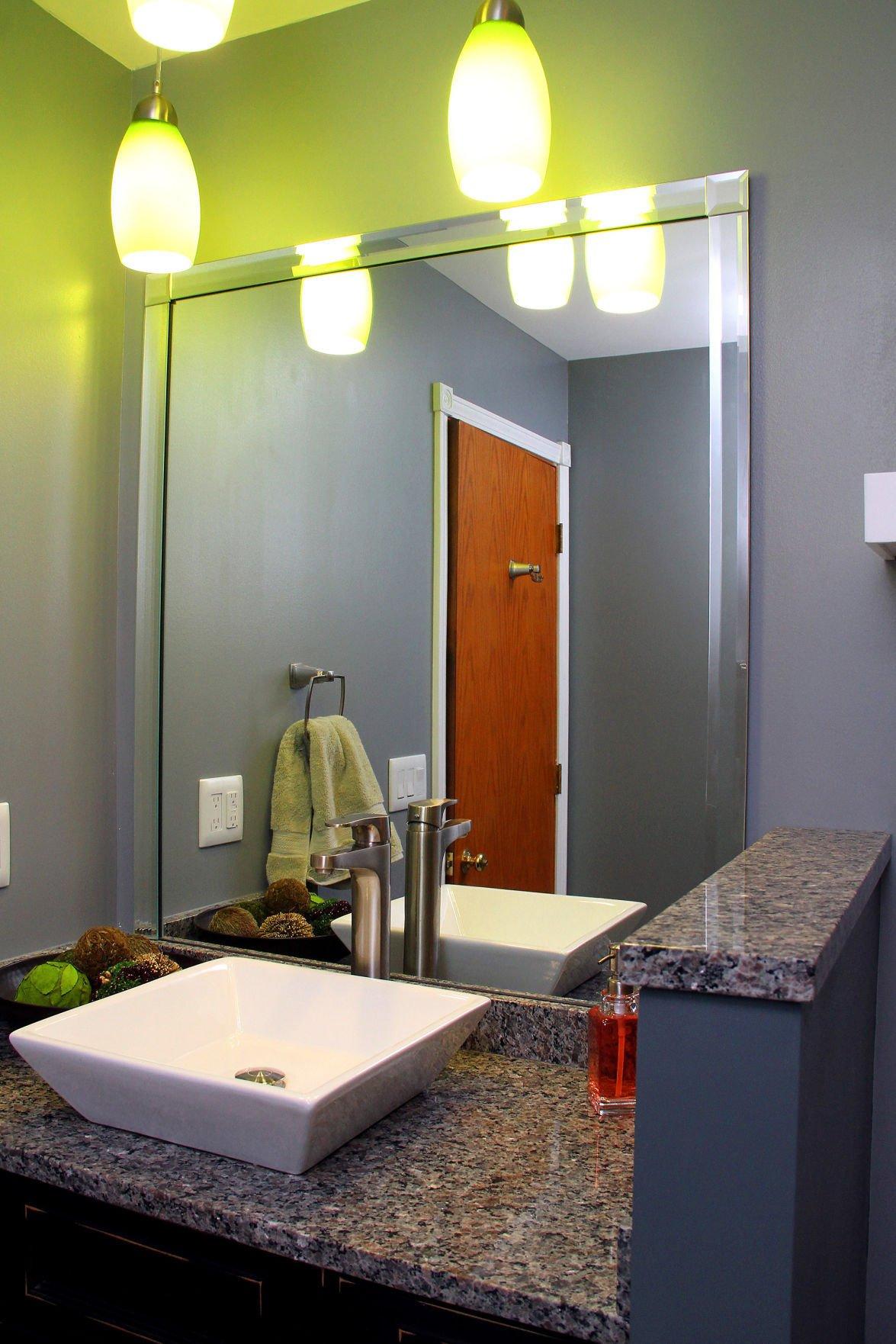 042015-lykam-bathroom-03