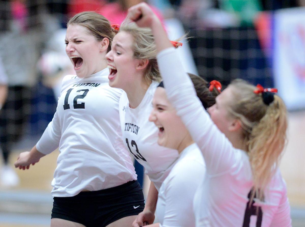 Iowa State Volleyball Tipton vs. New Hampton