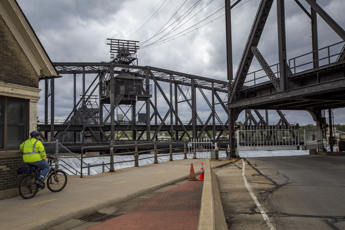 Government Bridge