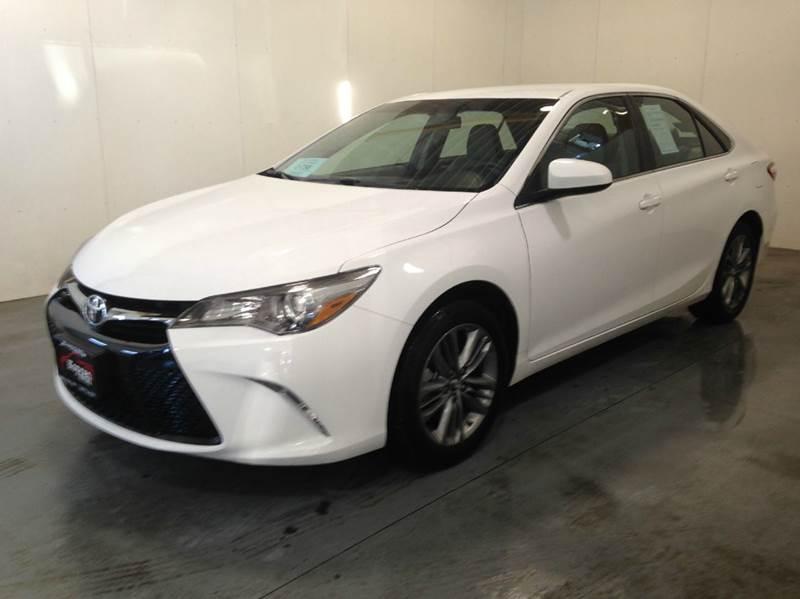 2016 White Toyota Camry