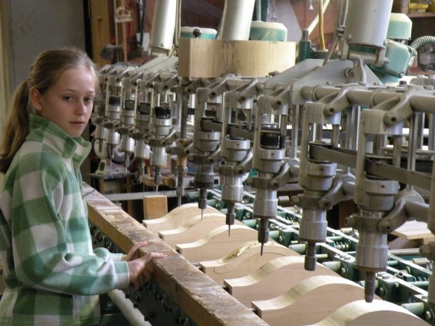 Maria Bunkers on production line for Venus Harps