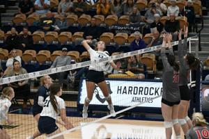 Western spoils Mines home debut with 5-set win