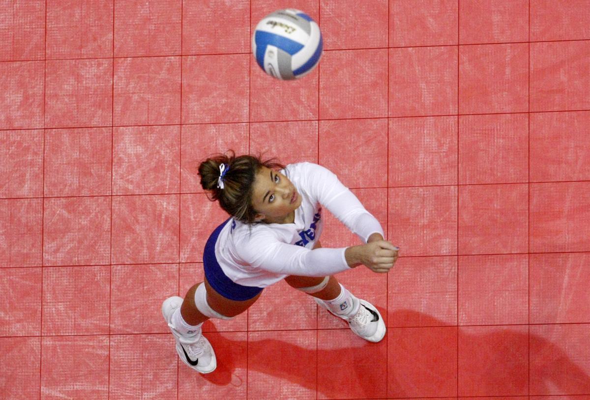 111717-spt-stevens volleyball 003.JPG