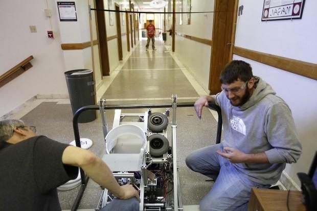 021713-nws-robotics1.jpg