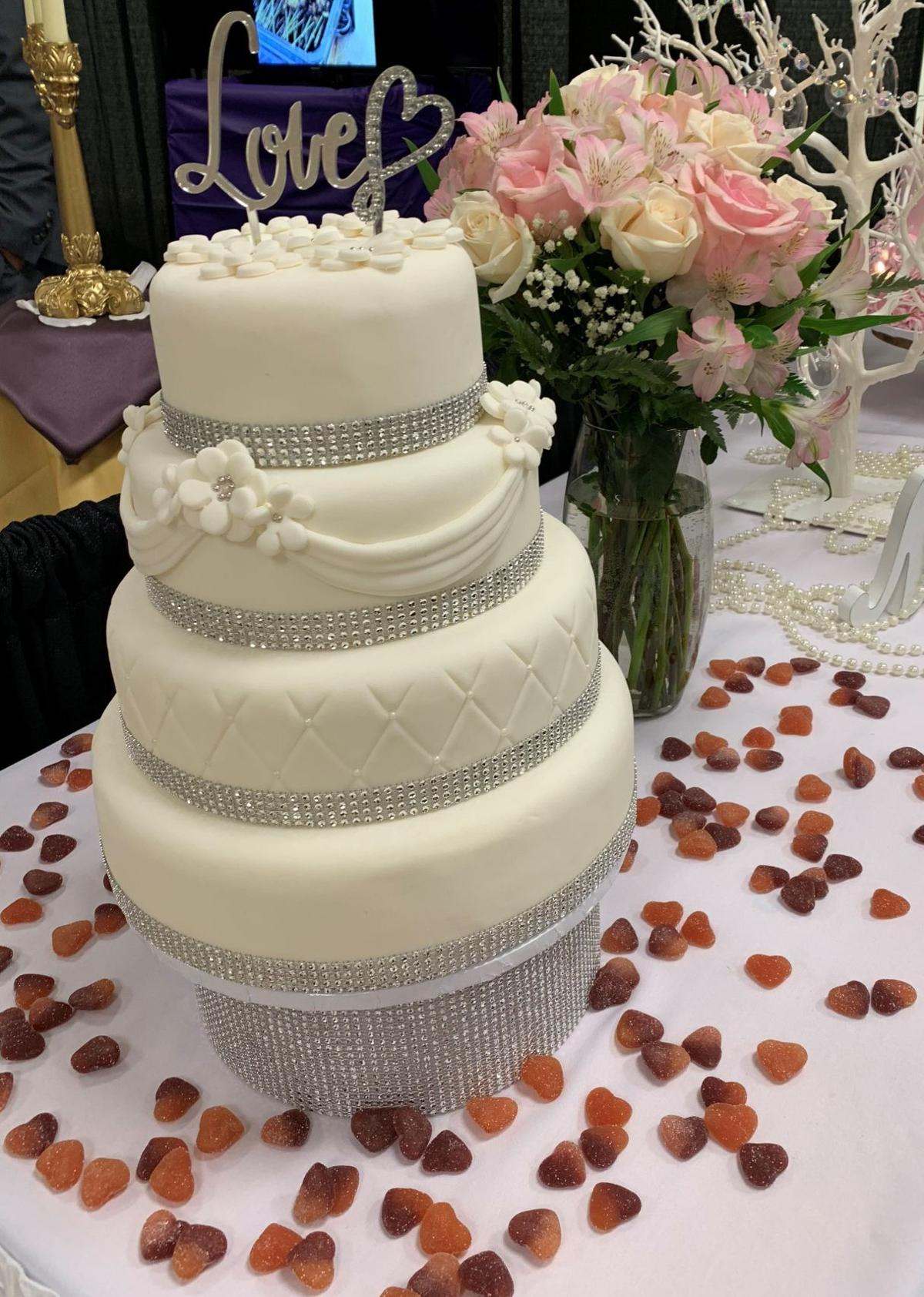 BH wedding market cake