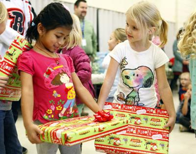 Groups seek gifts, funds to give kids a merry Christmas | Local ...