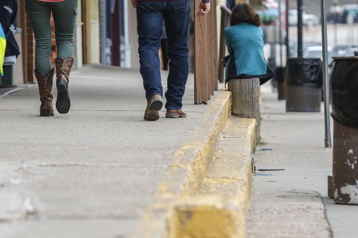 051218-nws-sidewalks002