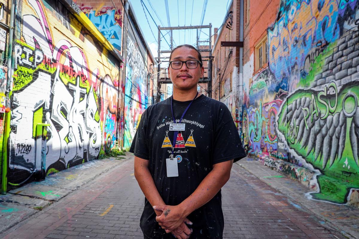 Derek Smith in Art Alley