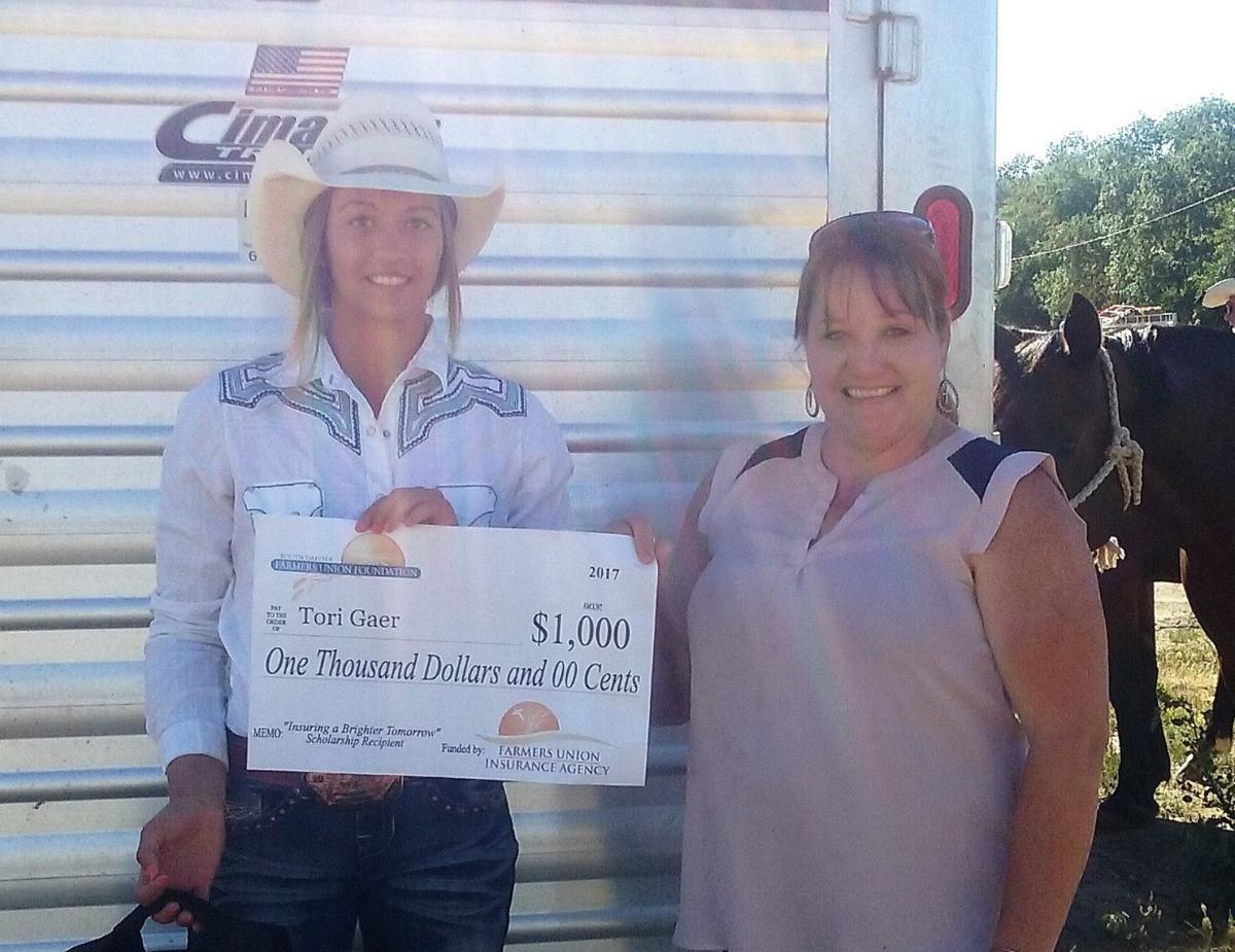SD Farmers Union Foundation awards scholarship
