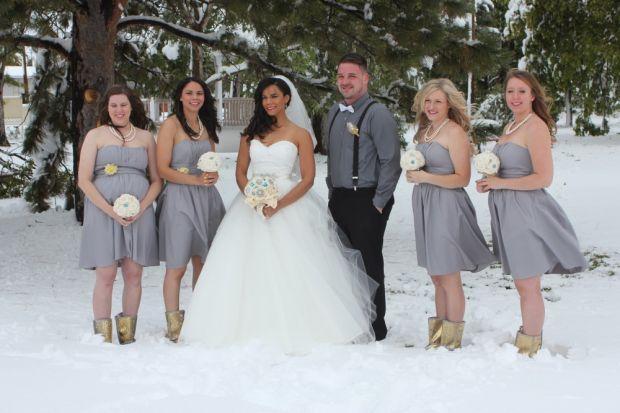 145c202dec Couple has unexpected winter wonderland wedding