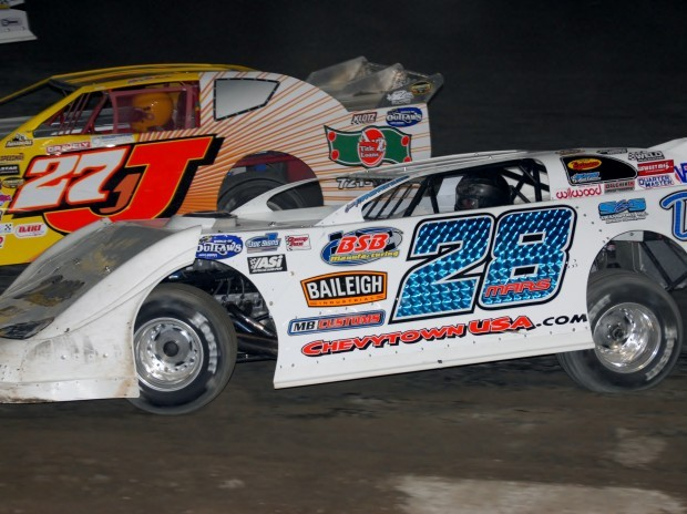 Auto Racing The Outlaws Are Coming Sports Rapidcityjournal Com
